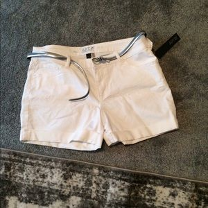 Women's shorts size 14 NWT